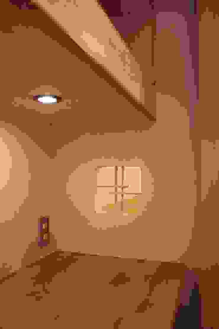 牟礼町の家 モダンな 窓&ドア の 一級建築士事務所 CAVOK Architects モダン