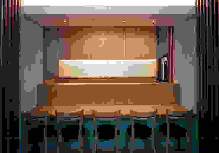 カウンター席 オリジナルなレストラン の 堀内総合計画事務所 オリジナル