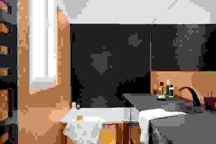 BOSQUET Salle de bain originale par URBAN D&CO Éclectique
