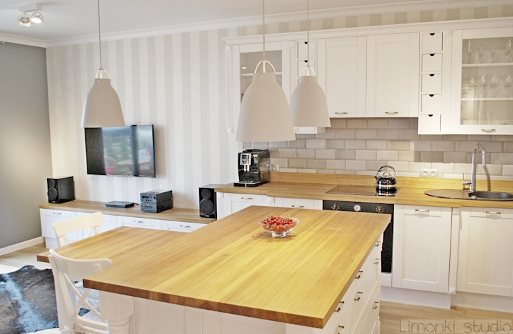 Mieszkanie w stylu klasycznym Klasyczna kuchnia od Limonki Studio Wojciech Siudowski Klasyczny