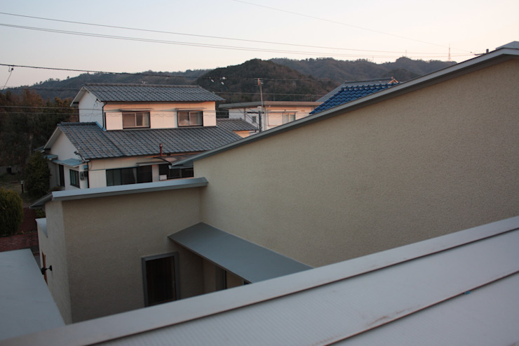 牟礼町の家 モダンな 家 の 一級建築士事務所 CAVOK Architects モダン