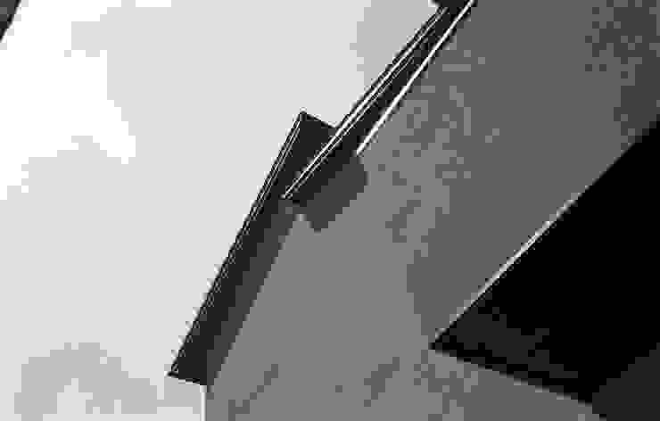 三条町の家 モダンな 家 の 一級建築士事務所 CAVOK Architects モダン
