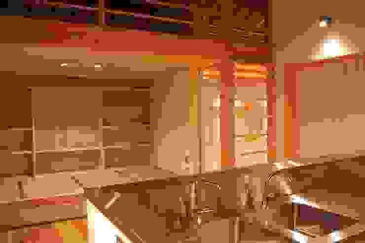 三条町の家 モダンデザインの ダイニング の 一級建築士事務所 CAVOK Architects モダン