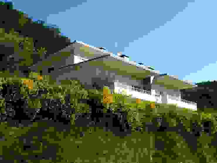 Casa Li Case moderne di Studio HOME Moderno