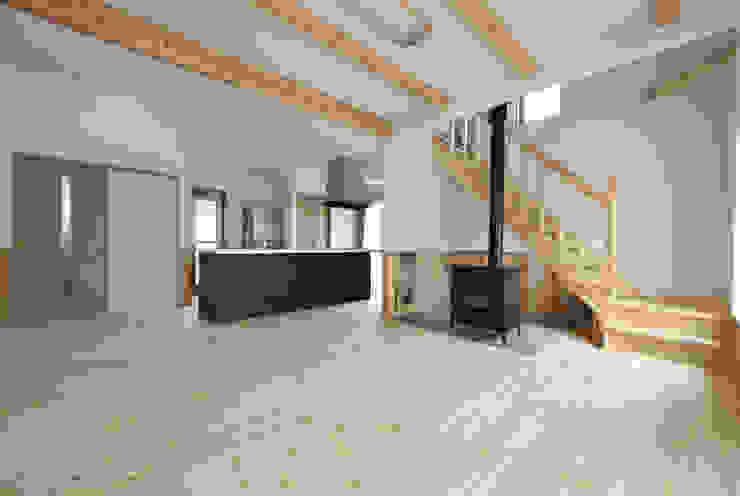 神石高原の家 オリジナルデザインの リビング の ATELIER IDEA オリジナル