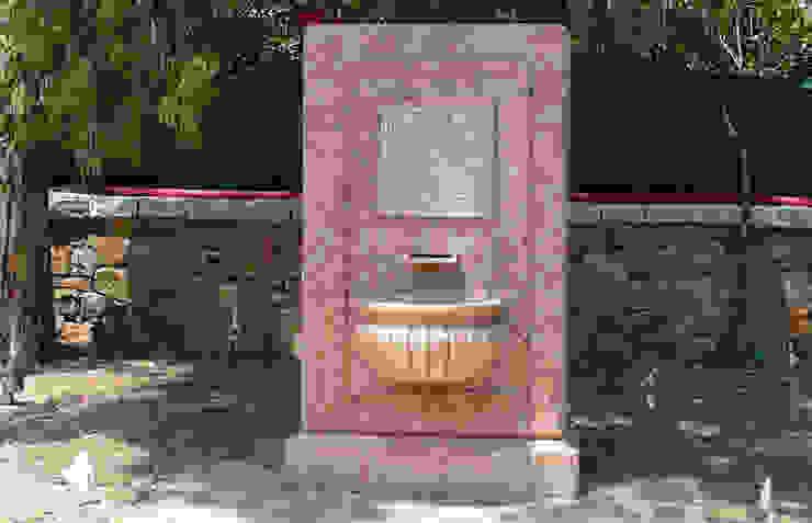 little fountain in sicilian Rose CusenzaMarmi Garden Accessories & decoration