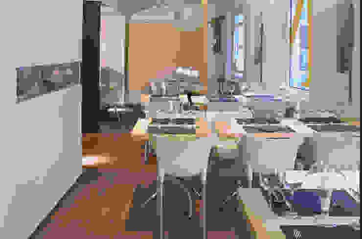 Cheeseme Restaurant - planta alta. Gastronomía de estilo minimalista de Daifuku Designs Minimalista