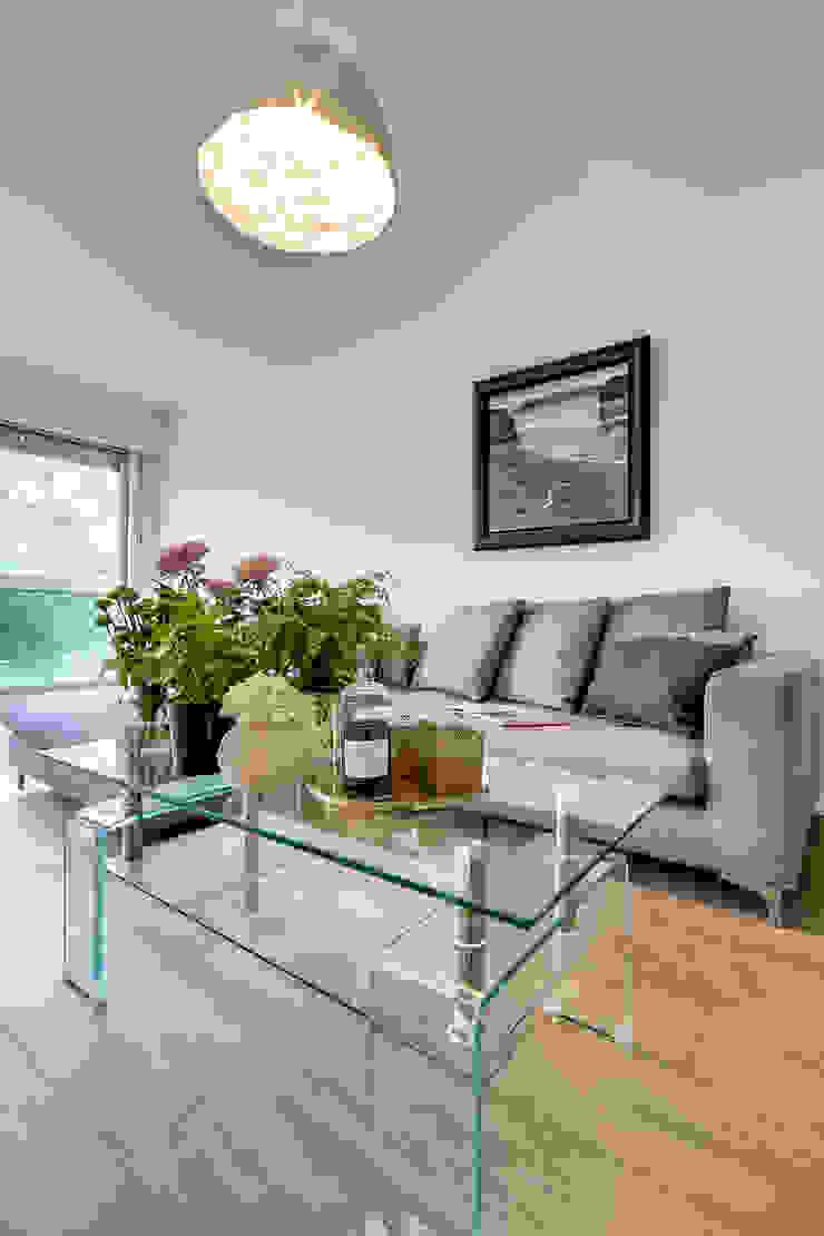 bypierrepetit Modern Living Room