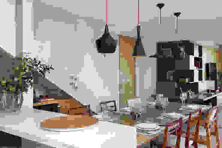 MANDRIL ARQUITETURA E INTERIORES Modern dining room