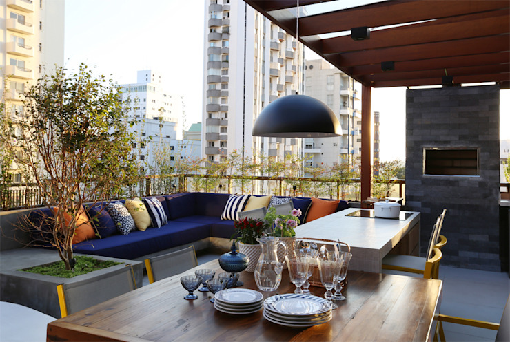 Modern style balcony, porch & terrace by MANDRIL ARQUITETURA E INTERIORES Modern