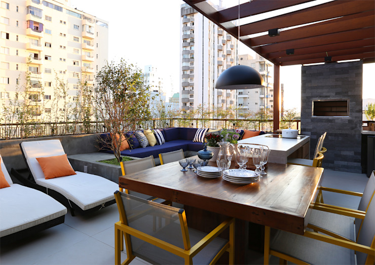 MANDRIL ARQUITETURA E INTERIORES Balcones y terrazas de estilo moderno