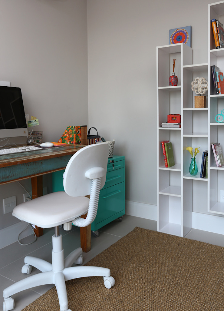 MANDRIL ARQUITETURA E INTERIORES Modern study/office