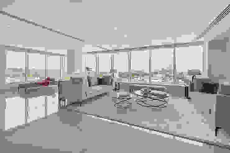 Luxury penthouse lounge with Porcel-Thin tiled floors Livings modernos: Ideas, imágenes y decoración de Porcel-Thin Moderno Azulejos