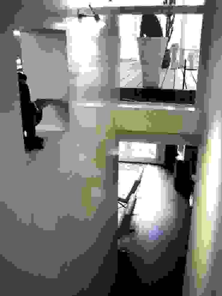 bypierrepetit Eclectic style corridor, hallway & stairs