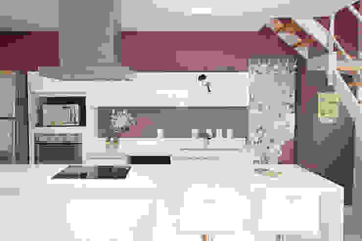 Apartamento Panamby Cozinhas minimalistas por Mariana Dias Arquitetura Minimalista