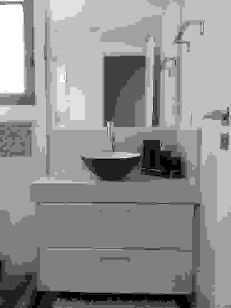 Banheiro social Banheiros modernos por Ana Adriano Design de Interiores Moderno