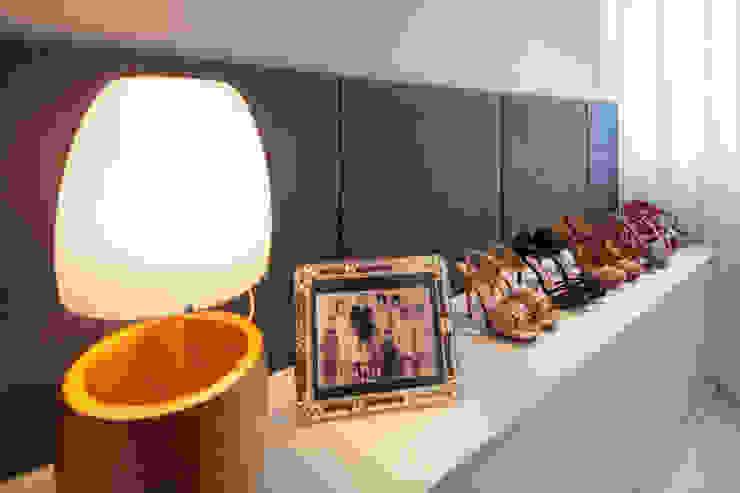 Apartamento 303 Quartos modernos por Estúdio Barino | Interiores Moderno