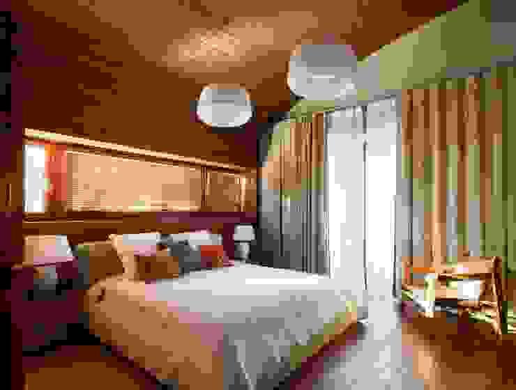 ДОМ В ПОДМОСКОВЬЕ Спальня в классическом стиле от АРХИТЕКТУРНОЕ БЮРО АНДРЕЯ КАРЦЕВА И ЮЛИИ ВИШНЕПОЛЬСКОЙ Классический