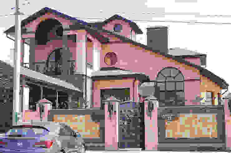 ООО 'Архитектурное бюро Доценко' Eclectic style houses