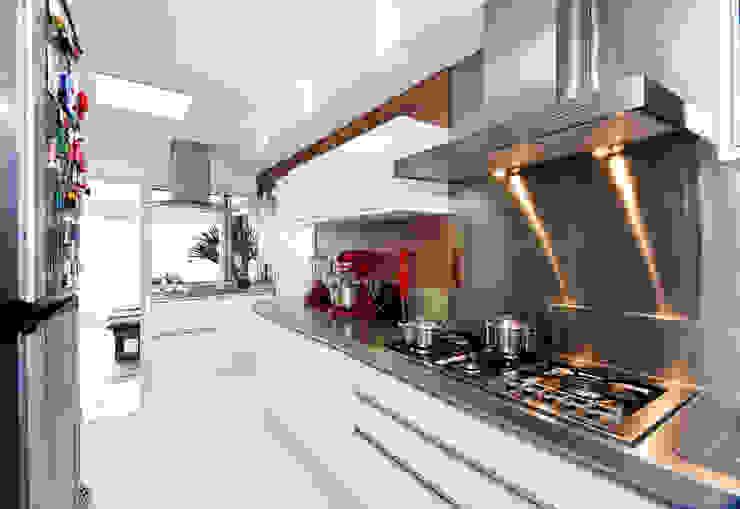 Cozinha Cozinhas modernas por Cavalcante Ferraz Arquitetura / Design Moderno