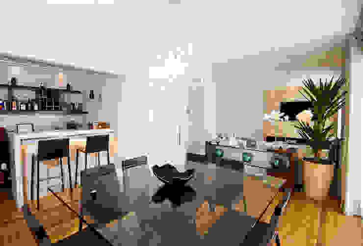 Sala de Jantar integrada ao Bar Salas de jantar modernas por Cavalcante Ferraz Arquitetura / Design Moderno