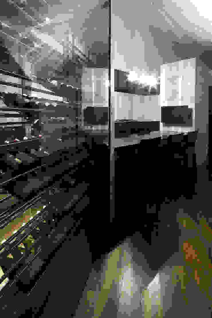Lik house モダンデザインの ワインセラー の 株式会社廣田悟建築設計事務所 モダン