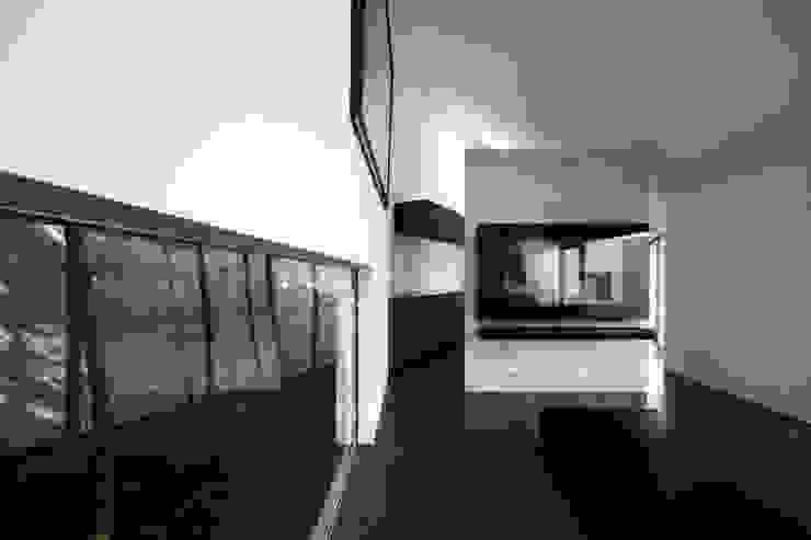 Lik house モダンデザインの リビング の 株式会社廣田悟建築設計事務所 モダン