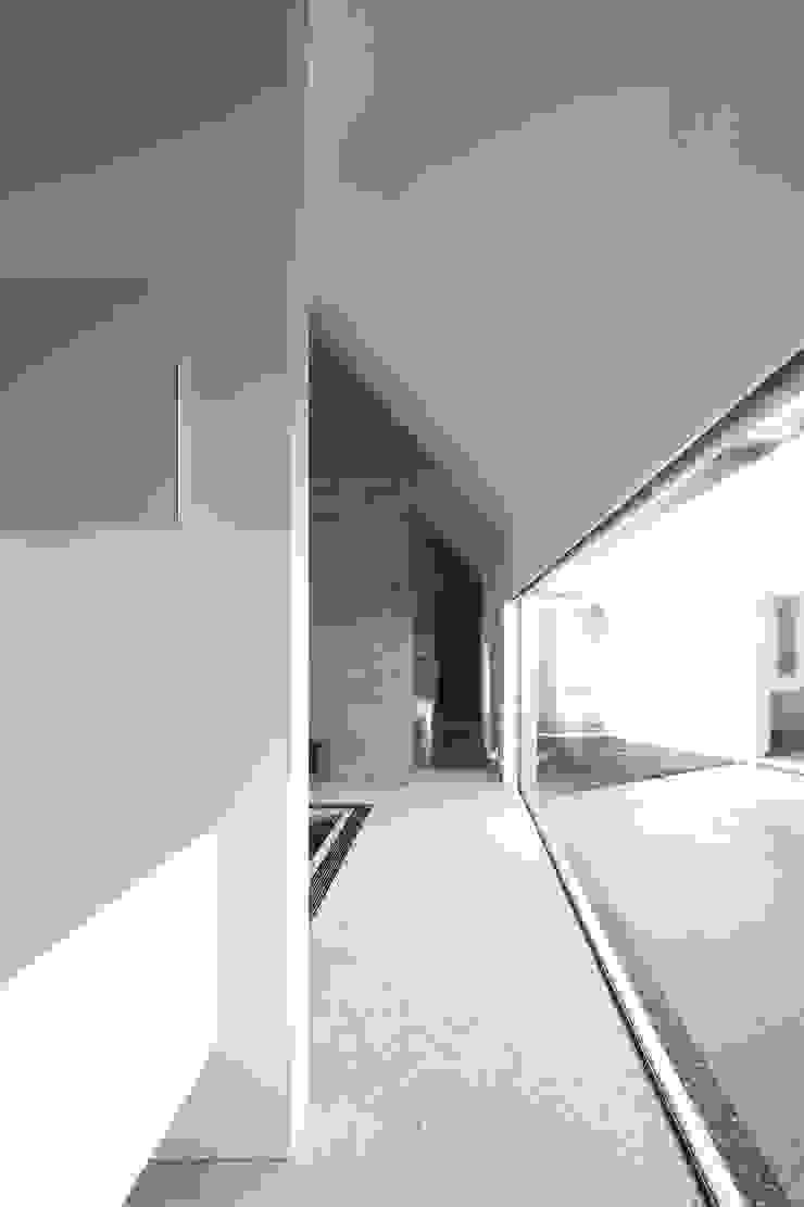 Lik house モダンスタイルの お風呂 の 株式会社廣田悟建築設計事務所 モダン