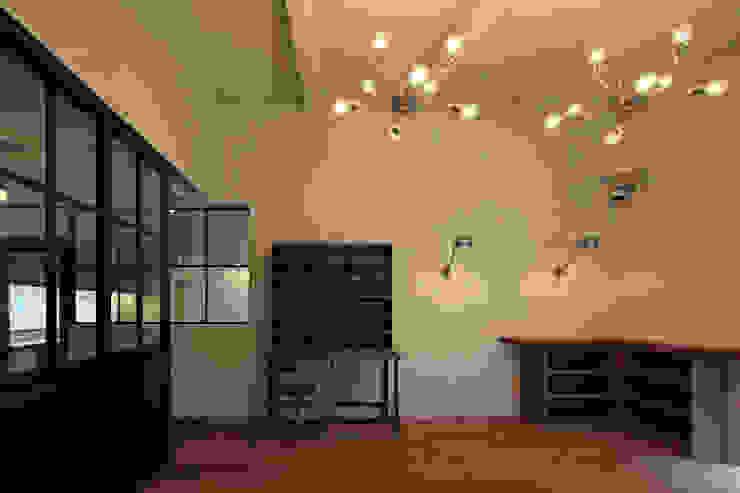 内部1 モダンな 壁&床 の LiPS DESIGN/(有)フレックス モダン