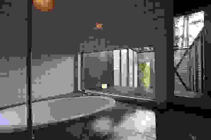 浴室 モダンスタイルの お風呂 の LiPS DESIGN/(有)フレックス モダン