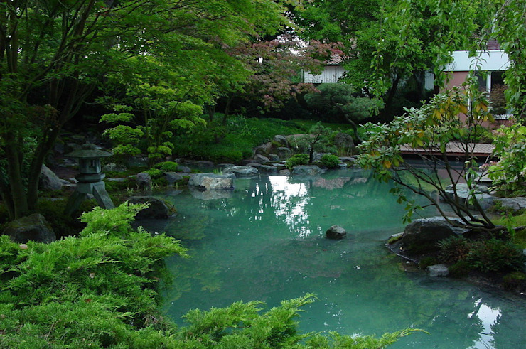Jardins asiáticos por Kokeniwa Japanische Gartengestaltung Asiático