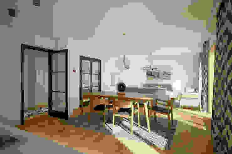 Villa Taşbaşı İskandinav Yemek Odası yücel partners İskandinav