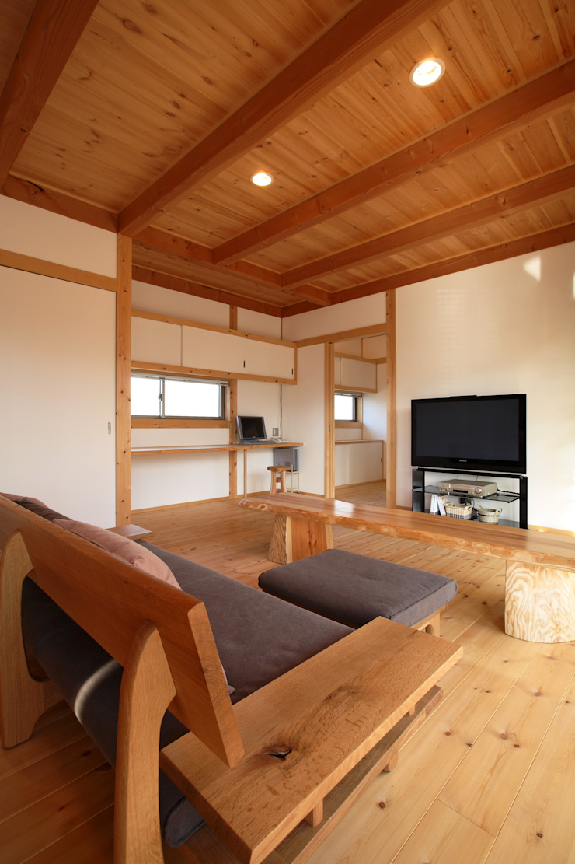LDK 和風デザインの リビング の 三宅和彦/ミヤケ設計事務所 和風