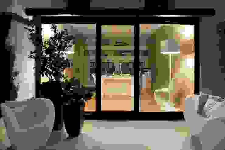 Modern study/office by Ernesto Fusco Modern