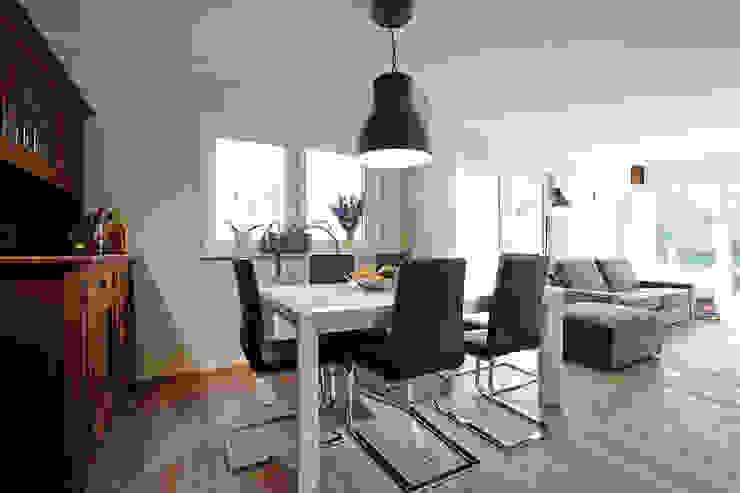 Frei geplantes Kundenhaus - Esszimmer Minimalistische Esszimmer von FingerHaus GmbH - Bauunternehmen in Frankenberg (Eder) Minimalistisch