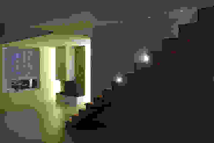 Treppe: modern  von wohlgemuth & pafumi | architekten ag,Modern
