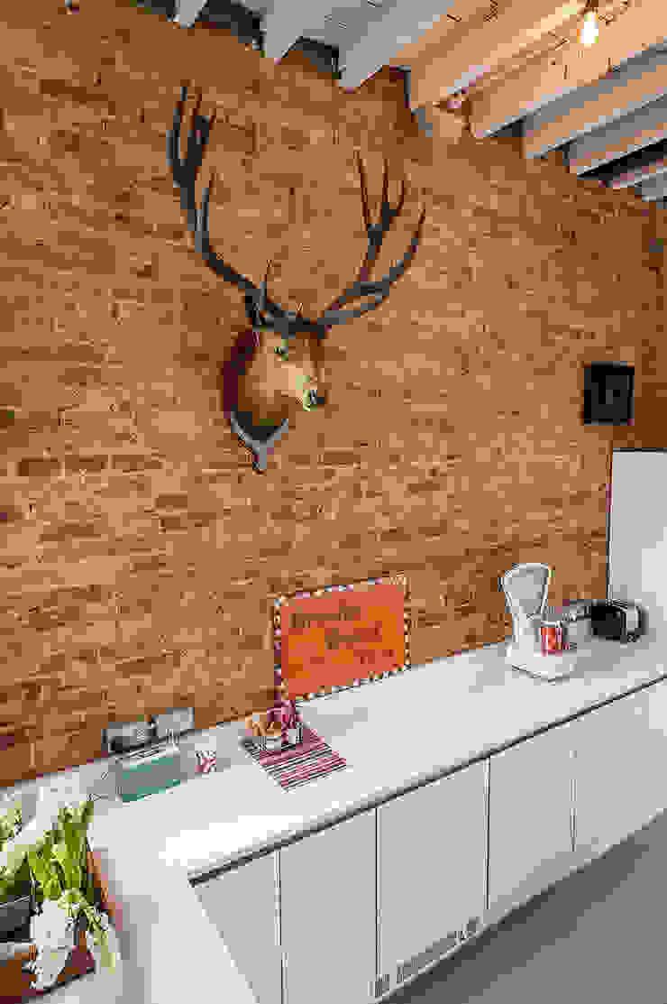 Full House Renovation with Crittall Extension, London Cocinas de estilo ecléctico de HollandGreen Ecléctico