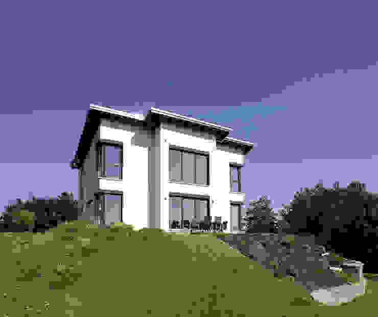 Maisons préfabriquées de style  par FingerHaus GmbH - Bauunternehmen in Frankenberg (Eder)