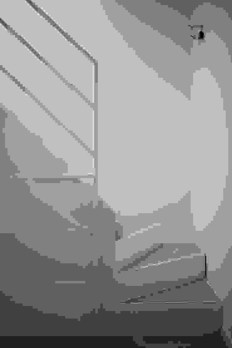 3C+M architettura Minimalist corridor, hallway & stairs