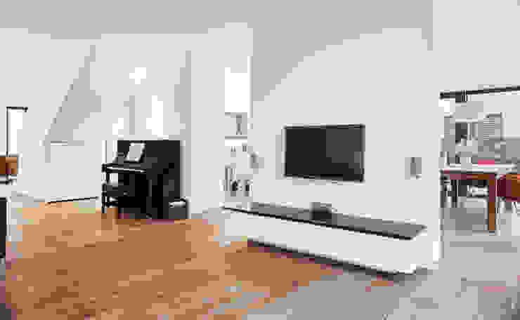 Гостиная в классическом стиле от Architektur I Stadtplanung Verhoeven Классический