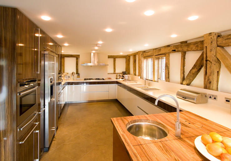 Denne Manor Barn Modern kitchen by Lee Evans Partnership Modern