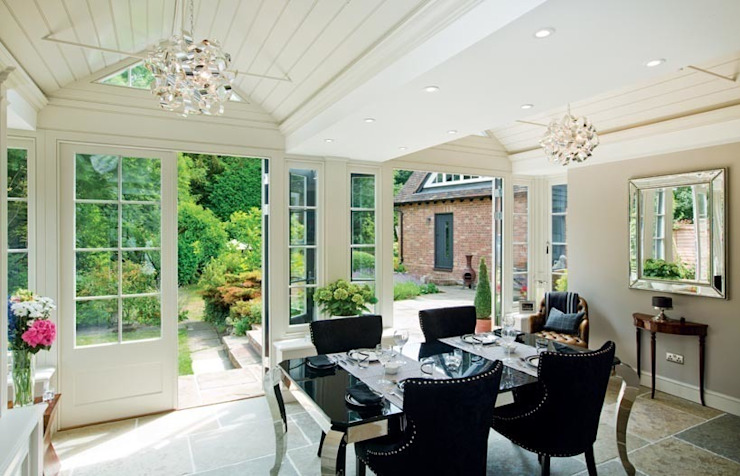 Inside the Buckinghamshire garden room Classic style conservatory by Westbury Garden Rooms Classic