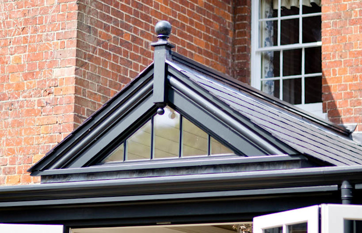 Gable end Classic style conservatory by Westbury Garden Rooms Classic