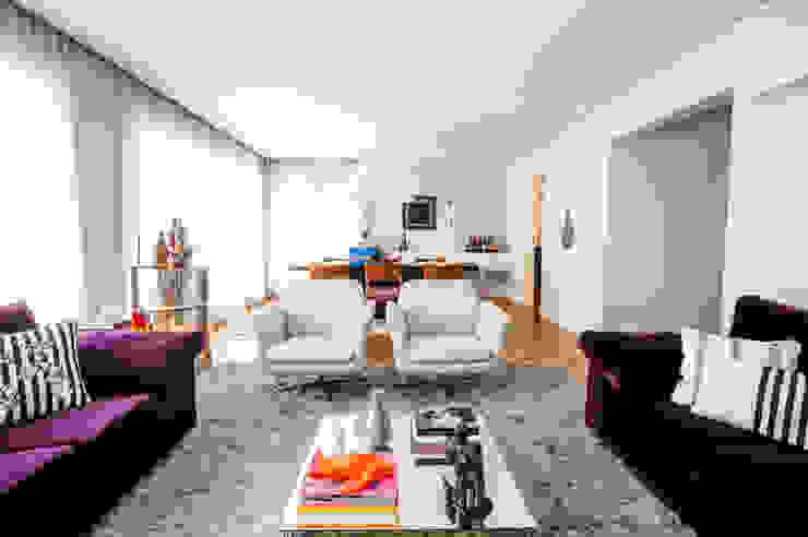 Moderne Wohnzimmer von Casa 2 Arquitetos Modern