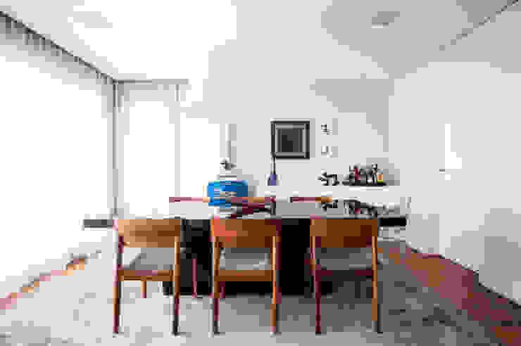 Sala de Jantar Salas de jantar modernas por Casa 2 Arquitetos Moderno