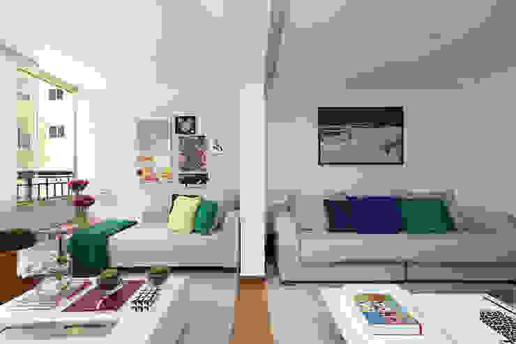 Ruang Keluarga oleh Casa 2 Arquitetos