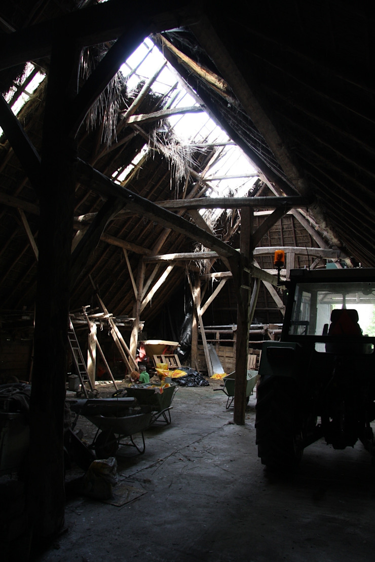 Modern garage/shed by Arend Groenewegen Architect BNA Modern