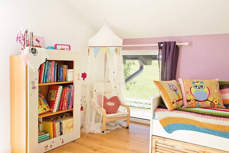 Girls Bedroom by FingerHaus GmbH - Bauunternehmen in Frankenberg (Eder), Country
