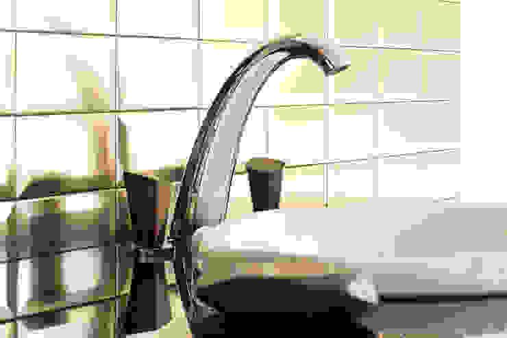 3 hole basin set Ebony Modern bathroom by homify Modern