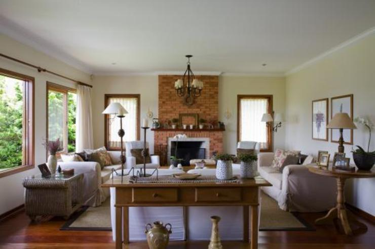 Living room by Liliana Zenaro Interiores,